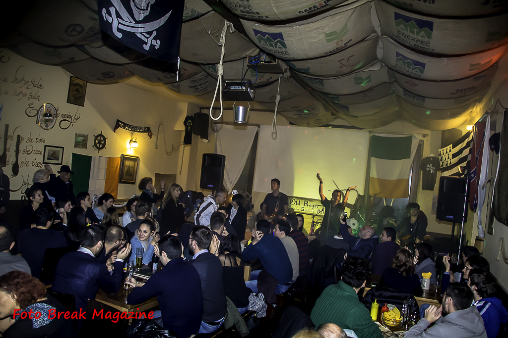 https://www.breakmagazinenews.it/wp-content/uploads/2015/12/0001-2015-11-21-COAST-TO-COAST-OLD-ROGER-PUB-BRESCIA-0015.jpg