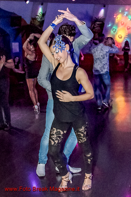 https://www.breakmagazinenews.it/wp-content/uploads/2016/10/0001-2016-10-22-SERATA-LATINA-MARILYN-DISCO-0108.jpg