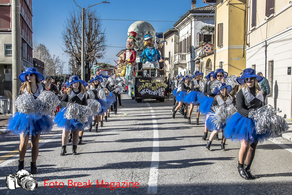 https://www.breakmagazinenews.it/wp-content/uploads/2019/02/0001-2019-02-23-61°-SFILATA-CARRI-CARNEVALE-CARPENEDOLO-0092.jpg