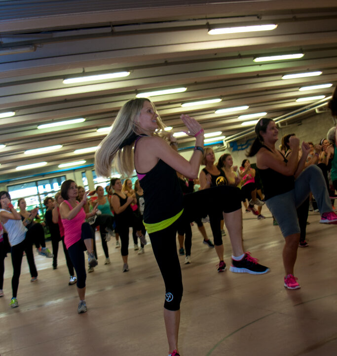 https://www.breakmagazinenews.it/wp-content/uploads/2021/01/0001-2014-12-21-ZUMBA-FOR-CHRISTMAS-BOVEZZO-RONCADELLE-683x720.jpg